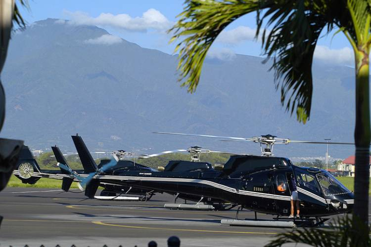 Maui Helicopter Tours   Paradise Activities   Maui Resorts