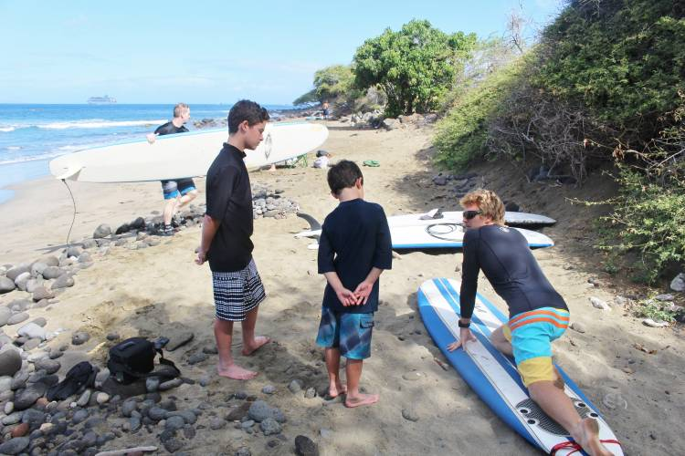 Maui Surf Lessons | Paradise Activities | Maui Resorts